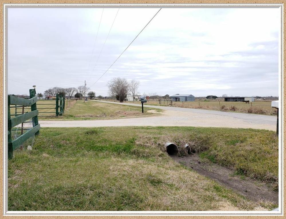 Pending | 145 Adams Road Bay City, TX 77414 3