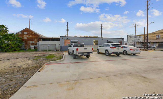 Active   1430 S Flores St  #A San Antonio, TX 78204 21