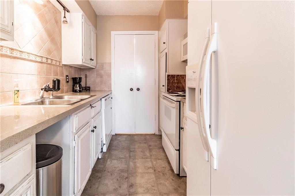 Sold Property   8550 Fair Oaks Crossing #212 Dallas, Texas 75243 9