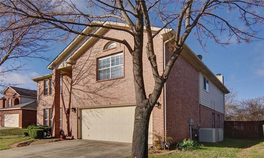 Sold Property | 7016 Park Green Drive Arlington, Texas 76001 3