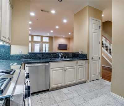 Sold Property | 3707 Gilbert Avenue #15 Dallas, Texas 75219 9