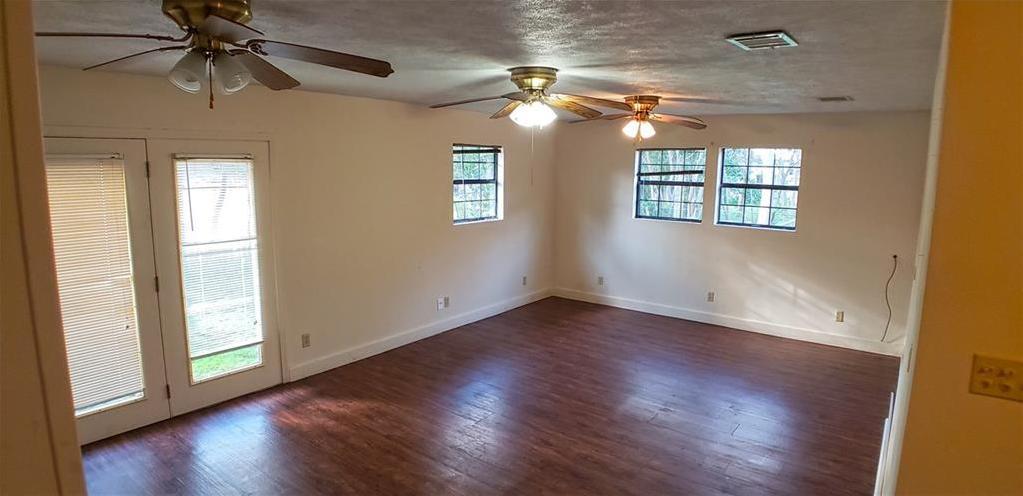 Leased   1106 Walnut Street Bastrop, TX 78602 8