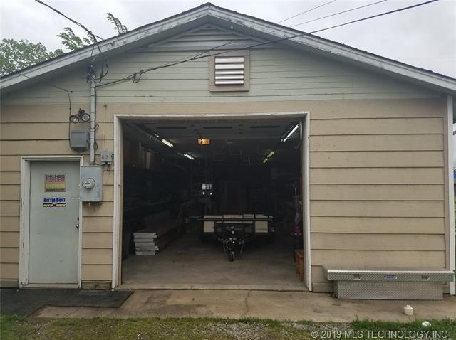 Off Market | 221 N Owalla Avenue Claremore, Oklahoma 74017 2
