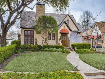 Sold Property | 6415 Lakeshore Drive Dallas, Texas 75214 1