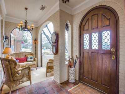 Sold Property | 6415 Lakeshore Drive Dallas, Texas 75214 2