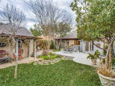 Sold Property | 6415 Lakeshore Drive Dallas, Texas 75214 23