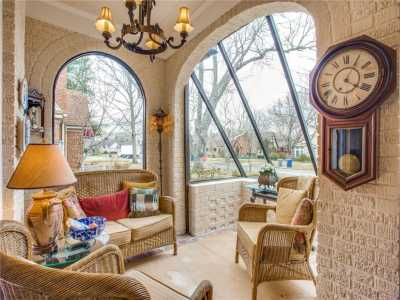 Sold Property | 6415 Lakeshore Drive Dallas, Texas 75214 3