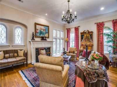 Sold Property | 6415 Lakeshore Drive Dallas, Texas 75214 5