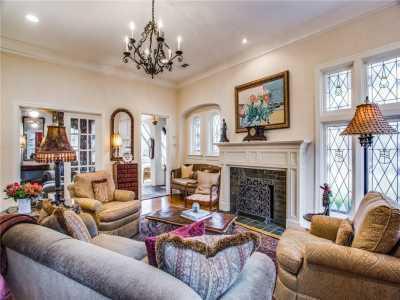 Sold Property | 6415 Lakeshore Drive Dallas, Texas 75214 6