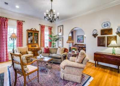 Sold Property | 6415 Lakeshore Drive Dallas, Texas 75214 7