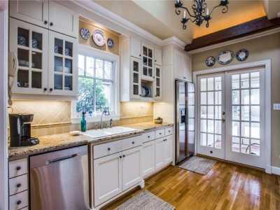 Sold Property | 6415 Lakeshore Drive Dallas, Texas 75214 8