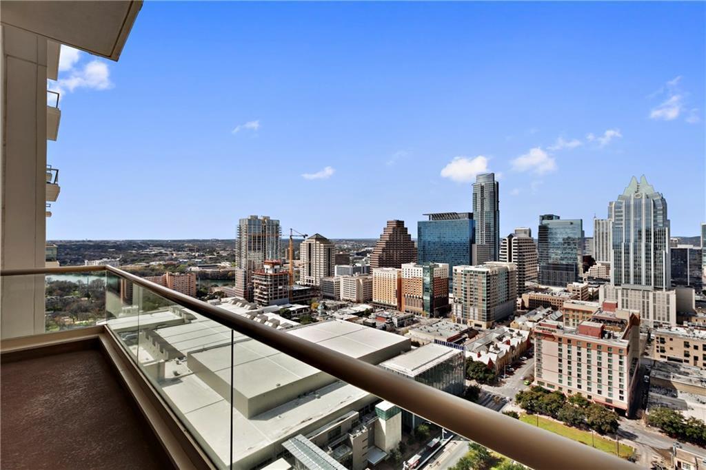 Sold Property | 555 E 5th Street #2722 Austin, TX 78701 2
