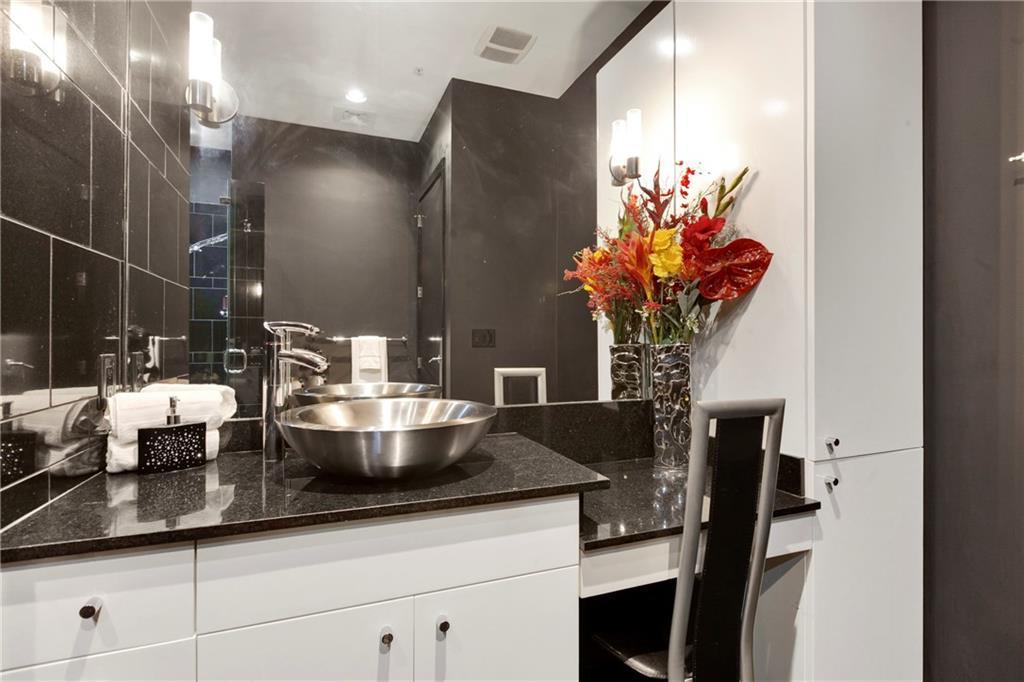Sold Property | 555 E 5th Street #2722 Austin, TX 78701 24
