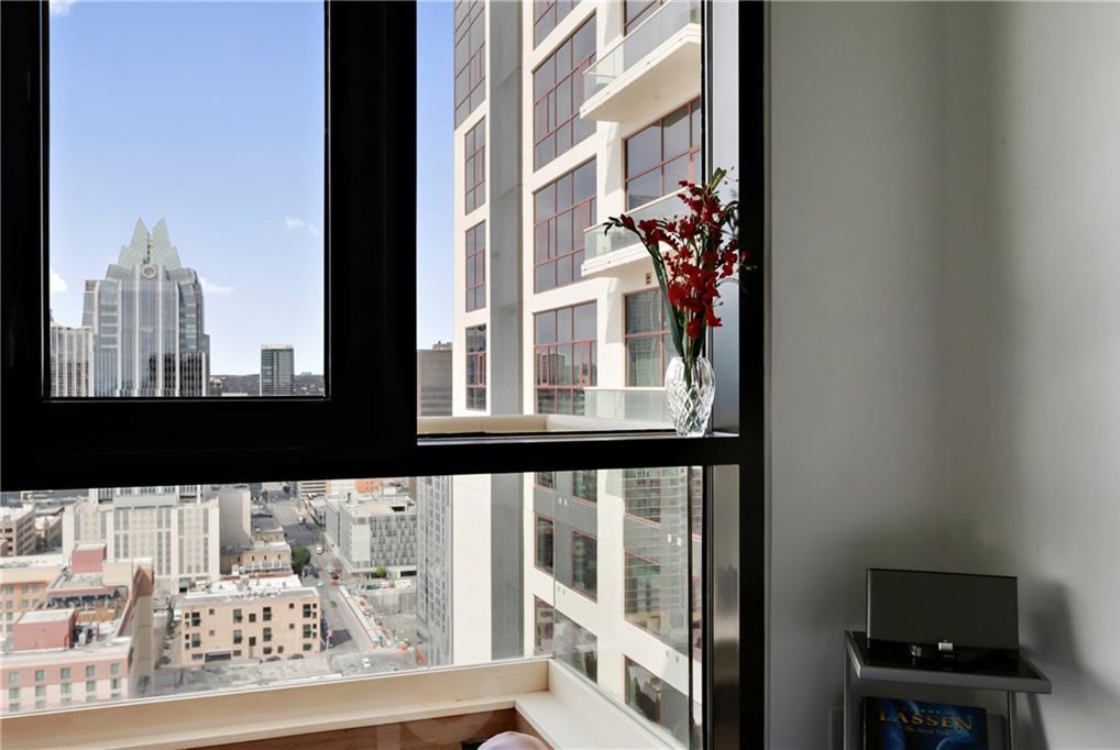 Sold Property | 555 E 5th Street #2722 Austin, TX 78701 32