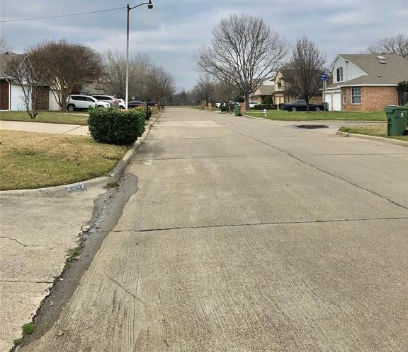 Active | 2202 Woodland Oaks Drive Arlington, Texas 76013 5