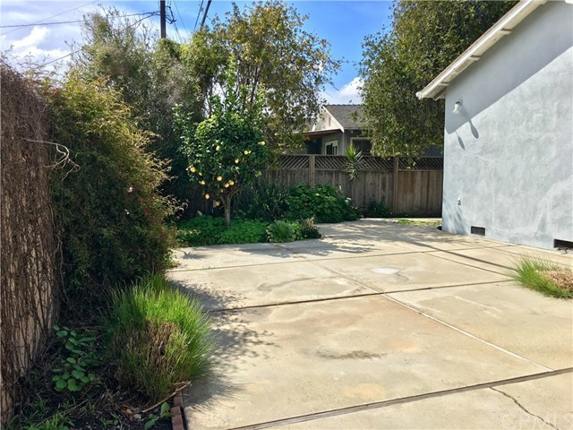 Closed | 11418 Segrell Way Culver City, CA 90230 7