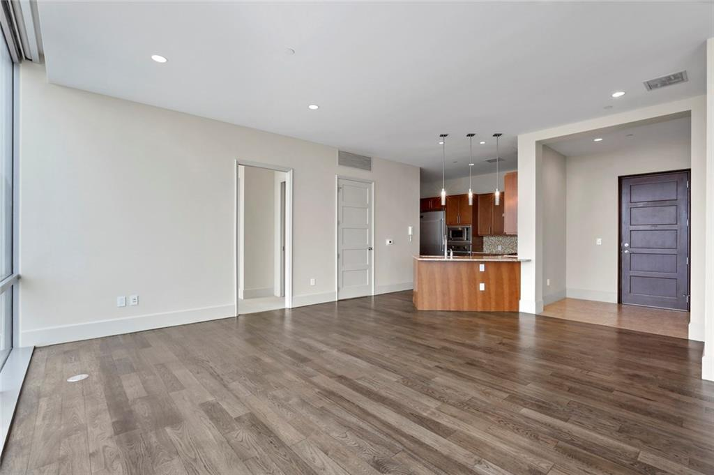 Active Kick Out | 1301 Throckmorton Street #2705 Fort Worth, TX 76102 10