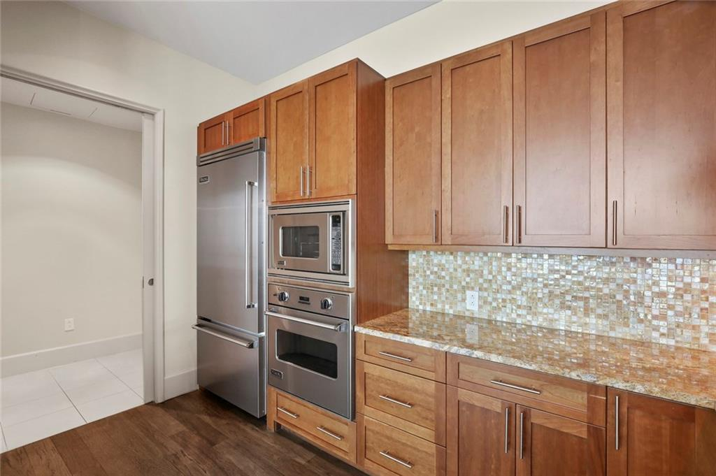 Active Kick Out | 1301 Throckmorton Street #2705 Fort Worth, TX 76102 13