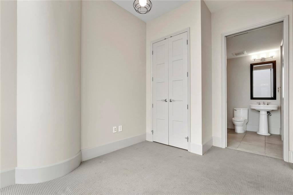 Active Kick Out | 1301 Throckmorton Street #2705 Fort Worth, TX 76102 26