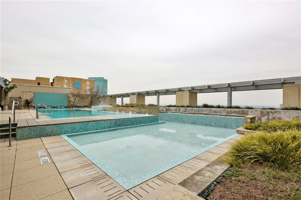 Active Kick Out | 1301 Throckmorton Street #2705 Fort Worth, TX 76102 30