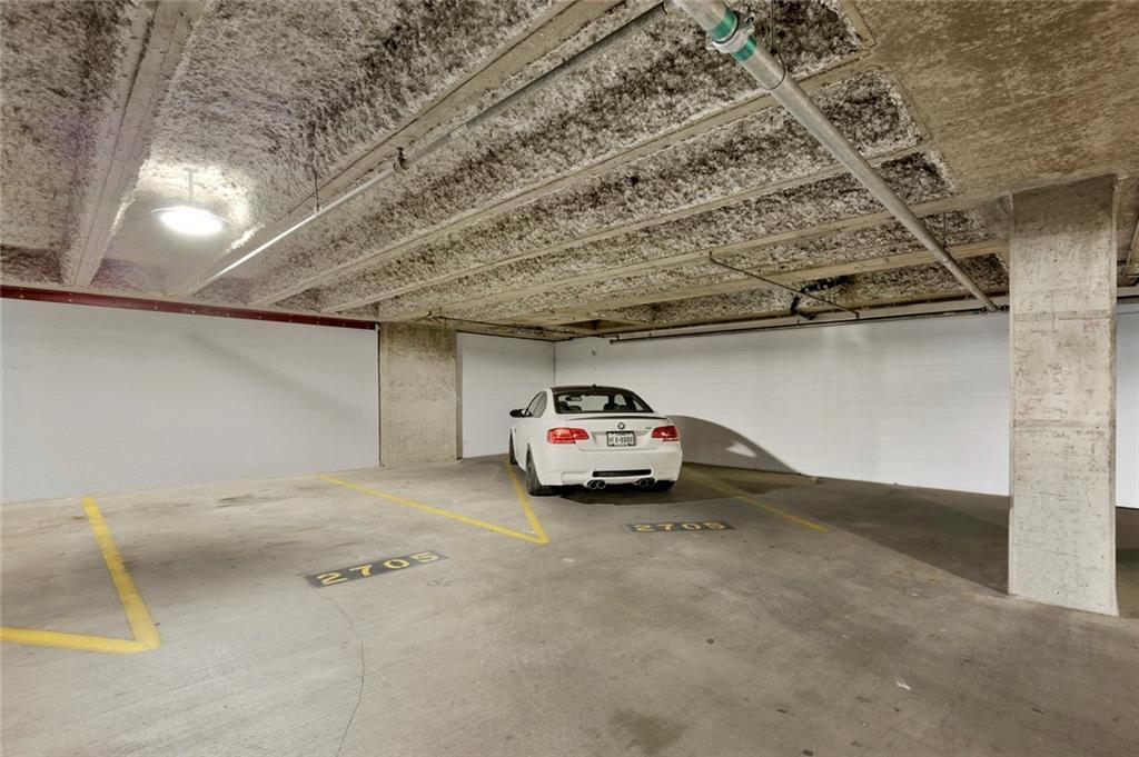 Active Kick Out | 1301 Throckmorton Street #2705 Fort Worth, TX 76102 35