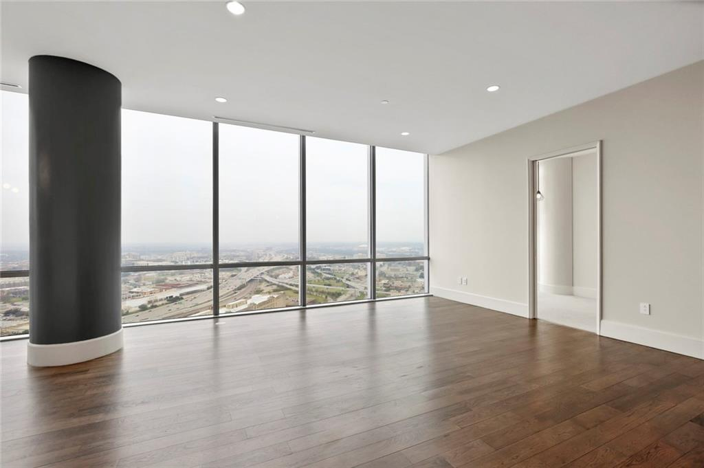 Active Kick Out | 1301 Throckmorton Street #2705 Fort Worth, TX 76102 9