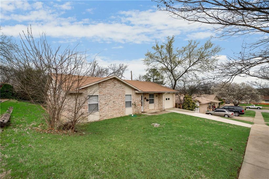 Sold Property | 1606 Dorothy Street Grand Prairie, Texas 75051 2