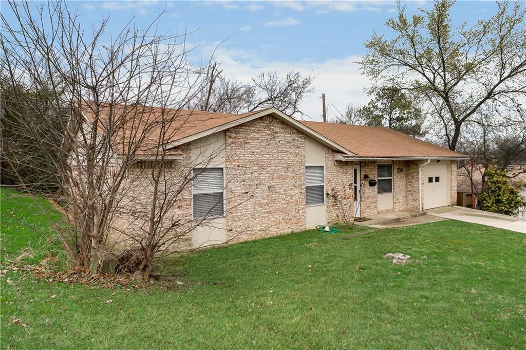 Sold Property | 1606 Dorothy Street Grand Prairie, Texas 75051 4