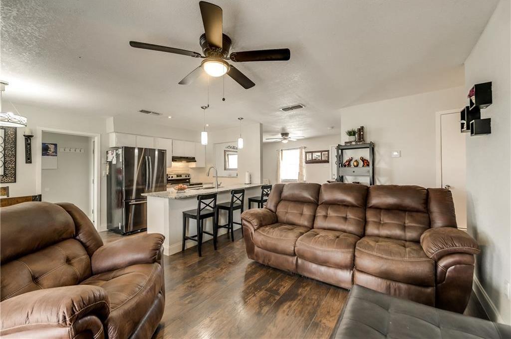 Sold Property | 1606 Dorothy Street Grand Prairie, Texas 75051 9