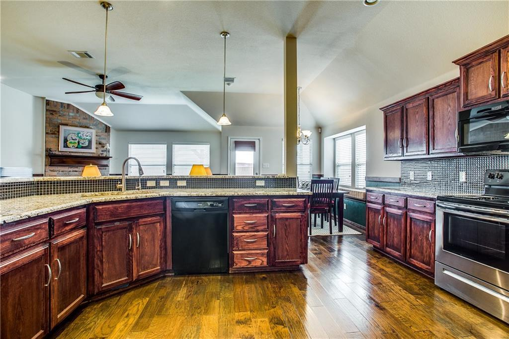 Sold Property | 5517 Creek Hill Lane Fort Worth, TX 76179 10
