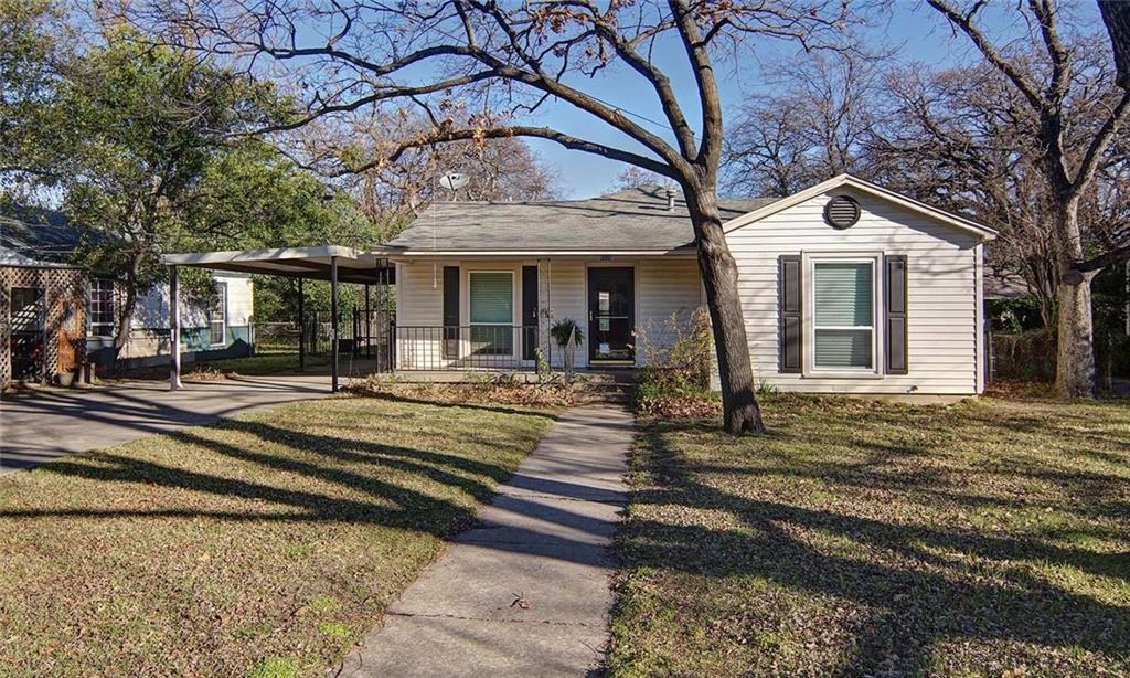 Sold Property | 4936 Black Oak Lane River Oaks, Texas 76114 2