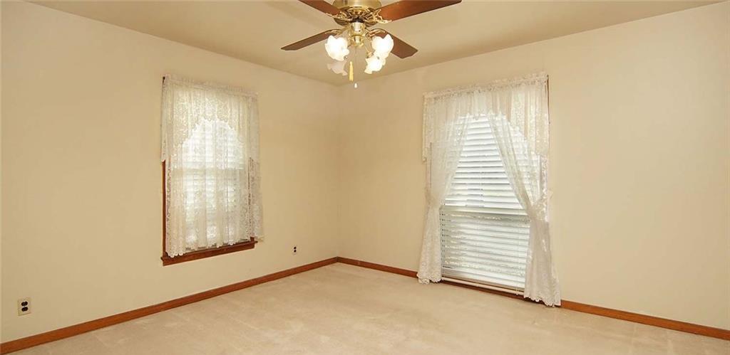 Sold Property | 4936 Black Oak Lane River Oaks, Texas 76114 21