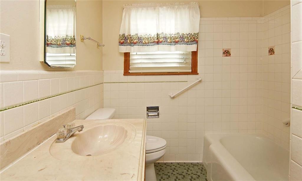 Sold Property | 4936 Black Oak Lane River Oaks, Texas 76114 22