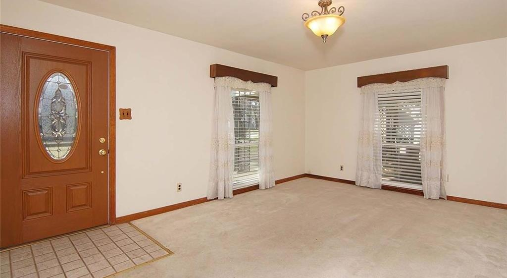 Sold Property | 4936 Black Oak Lane River Oaks, Texas 76114 5