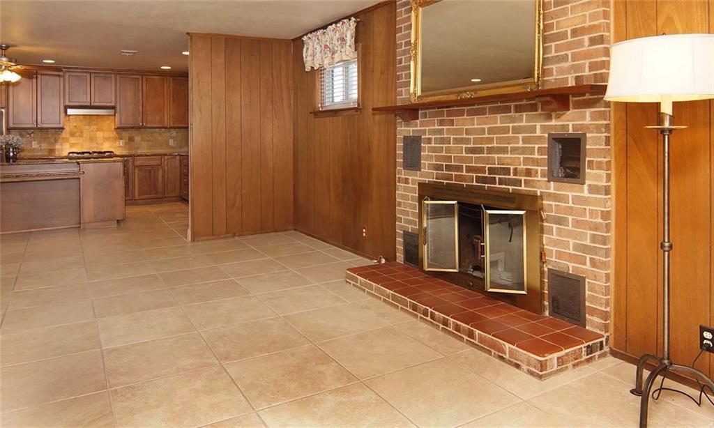 Sold Property | 4936 Black Oak Lane River Oaks, Texas 76114 10