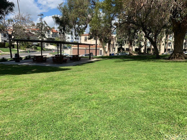 Closed   920 S PLYMOUTH Boulevard County - Los Angeles, CA 90019 4