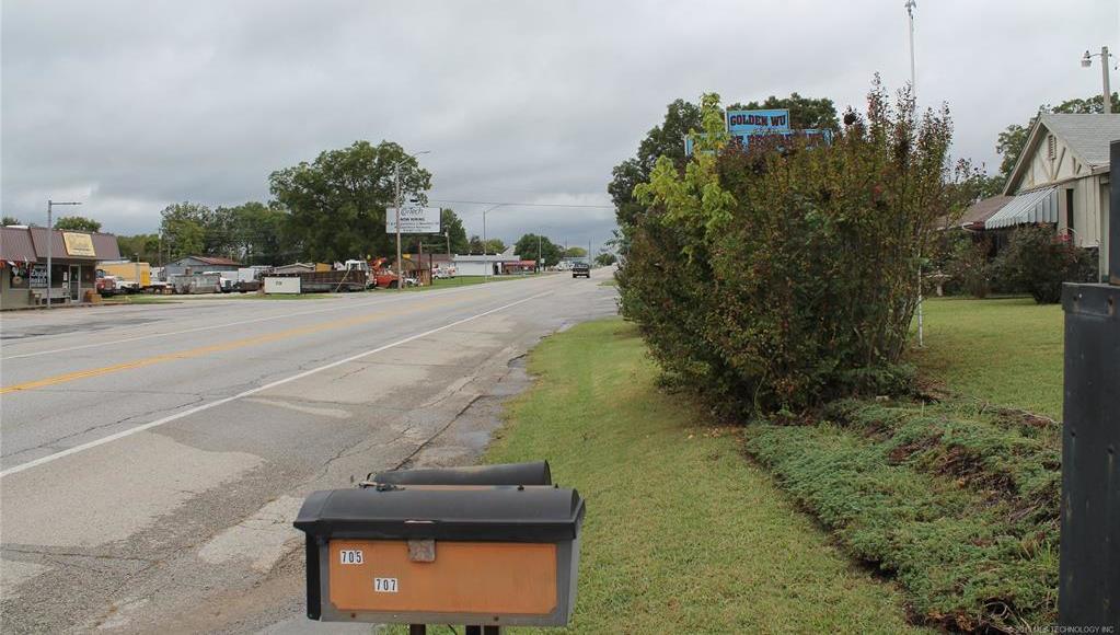 Off Market   707 W Caddo Street Cleveland, Oklahoma 74020 2