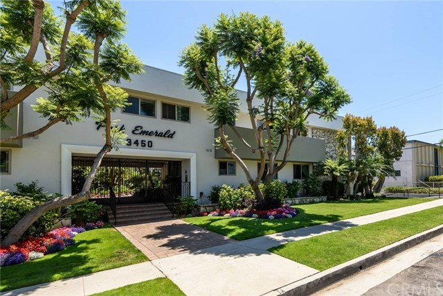 Closed | 3450 Emerald Street Torrance, CA 90503 2