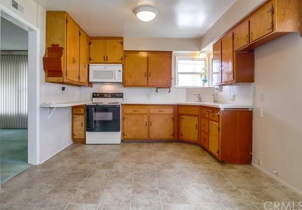 122 Hastings Street Redlands, CA 92373 | 122 Hastings Street Redlands, CA 92373 12