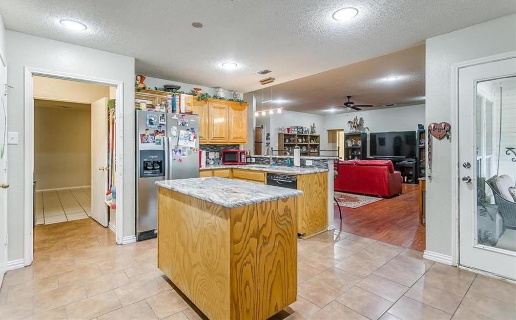 Sold Property | 10400 Brangus Drive Crowley, Texas 76036 12