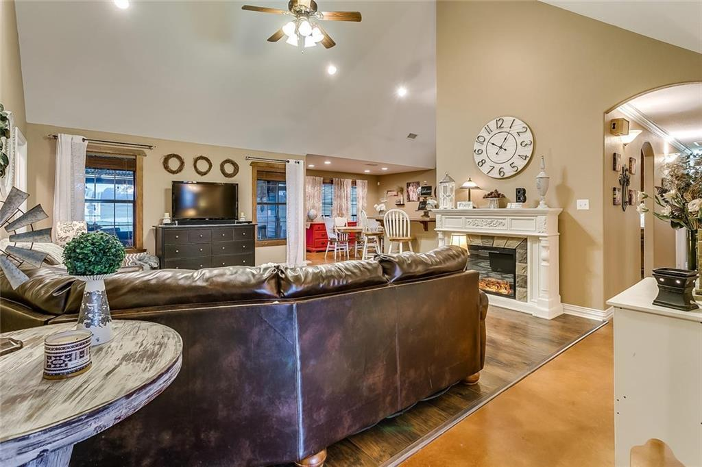 Sold Property | 157 Amanda Lane Reno, TX 76082 6