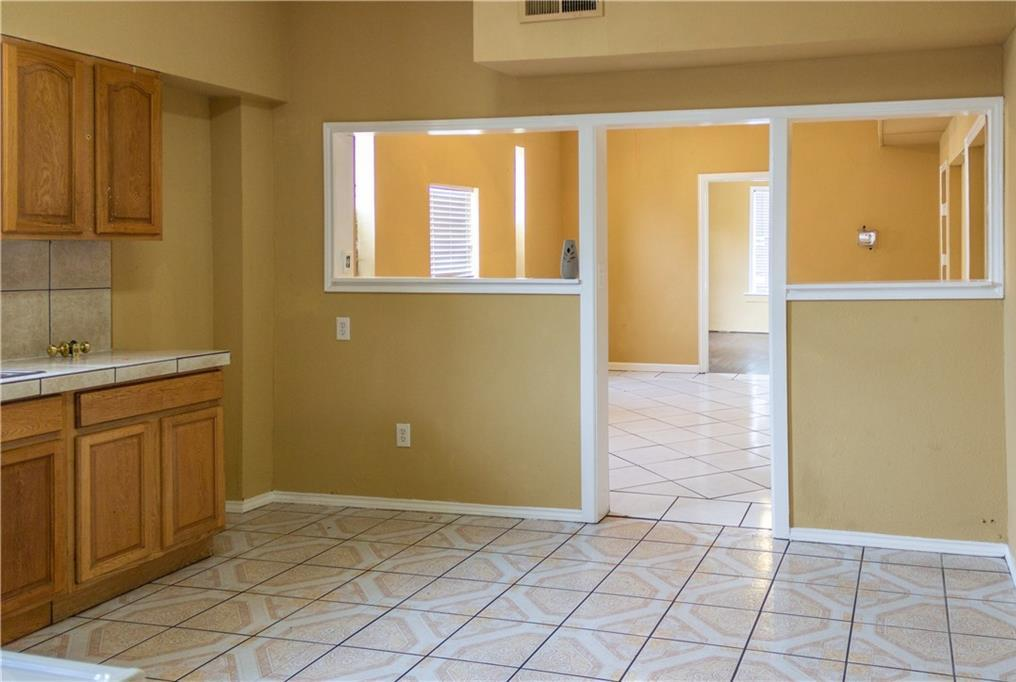 Sold Property   2311 Market Avenue Fort Worth, Texas 76164 12