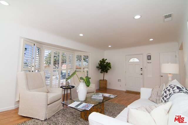 west adams, opportunity zone, los angeles, culver city, best home, back yard, real estate, paul fisher, yard, patio, big kitchen   2644 S SPAULDING Avenue Los Angeles, CA 90016 3