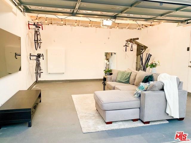 west adams, opportunity zone, los angeles, culver city, best home, back yard, real estate, paul fisher, yard, patio, big kitchen   2644 S SPAULDING Avenue Los Angeles, CA 90016 12