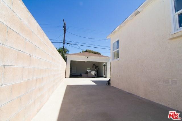 west adams, opportunity zone, los angeles, culver city, best home, back yard, real estate, paul fisher, yard, patio, big kitchen   2644 S SPAULDING Avenue Los Angeles, CA 90016 15