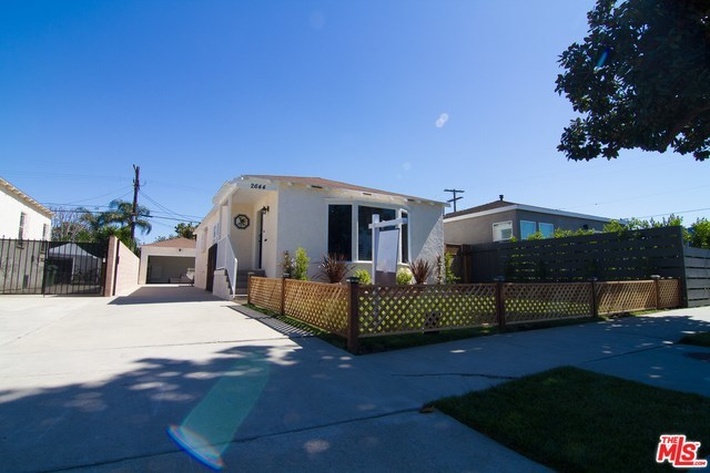 west adams, opportunity zone, los angeles, culver city, best home, back yard, real estate, paul fisher, yard, patio, big kitchen   2644 S SPAULDING Avenue Los Angeles, CA 90016 18