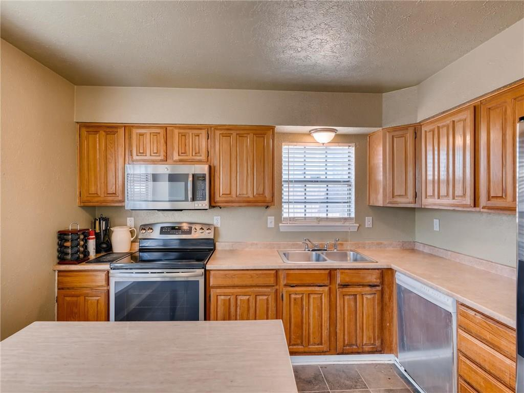 Sold Property | 2401 Sutton Drive Arlington, Texas 76018 11