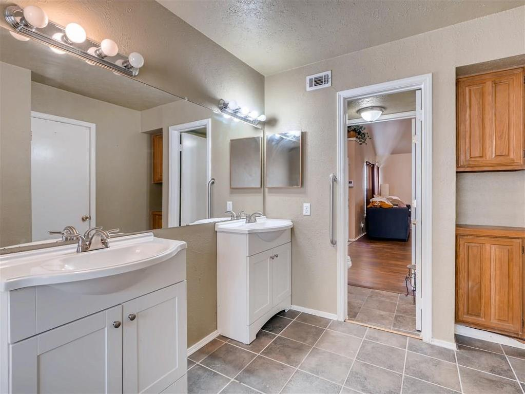Sold Property | 2401 Sutton Drive Arlington, Texas 76018 17