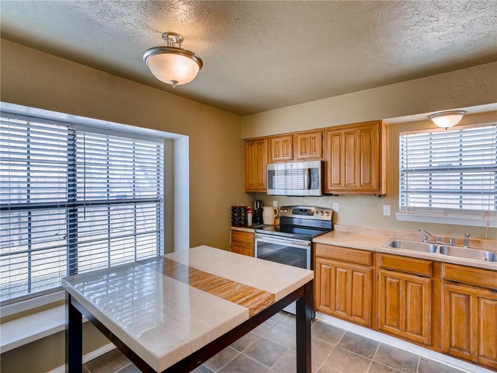Sold Property | 2401 Sutton Drive Arlington, Texas 76018 9