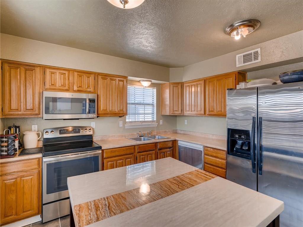 Sold Property | 2401 Sutton Drive Arlington, Texas 76018 10